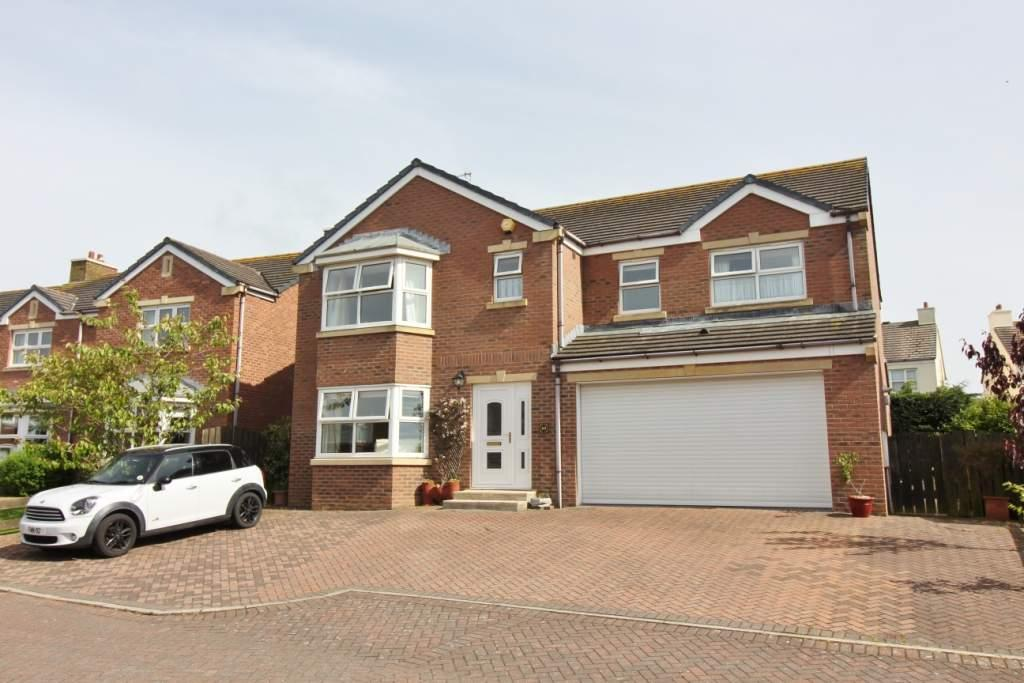 5 Bedrooms Detached House for sale in 10 Abbots Drive, Ballasalla, IM9 3EB