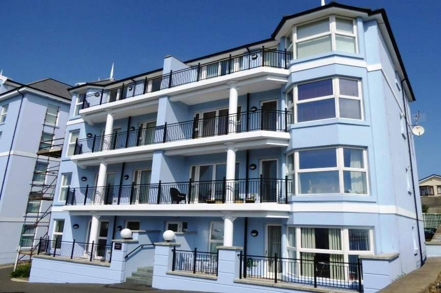 2 Bedrooms Apartment Flat for sale in Apartment 3, Imperial Lodge, Ocean Castle Drive, Port Erin, IM9 6LH
