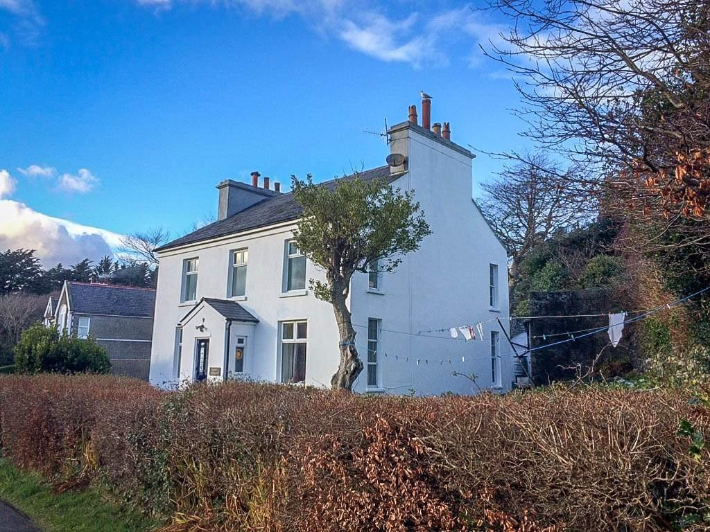 5 Bedrooms House for sale in Mount Pleasant, Minorca Hill, Laxey, IM4 7ED
