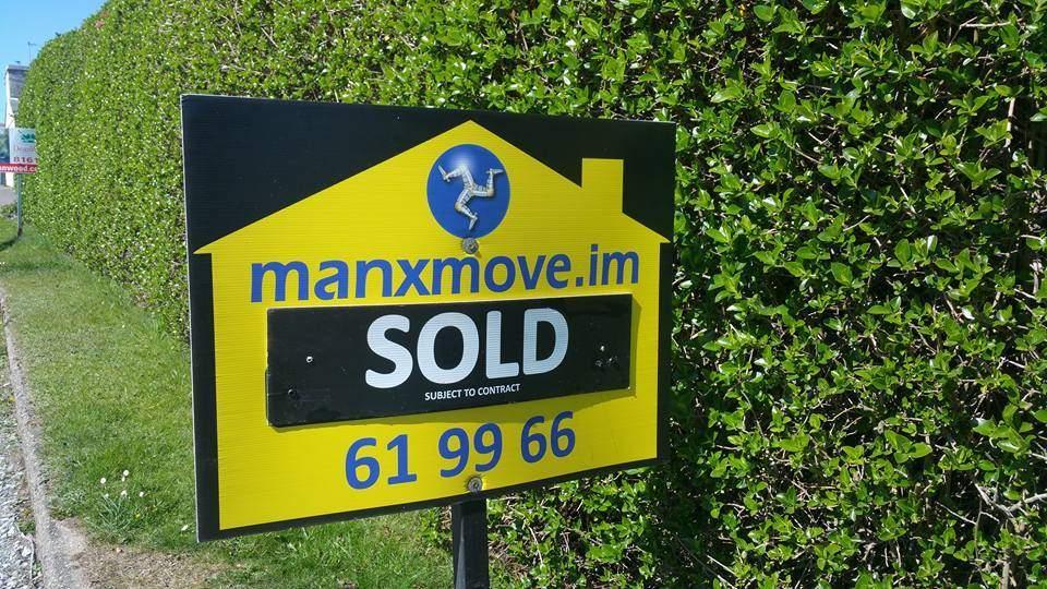3 Bedrooms Bungalow for sale in 2 Birch Hill Avenue, Onchan, IM3 4EW