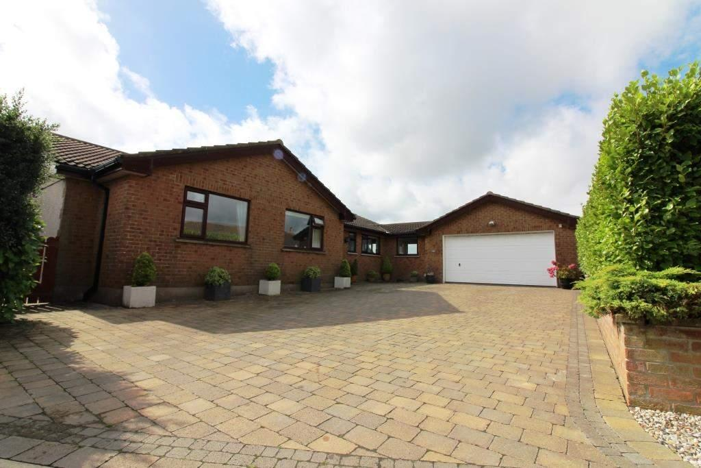 3 Bedrooms Bungalow for sale in 39 Fairway Close, Onchan, IM3 2EQ