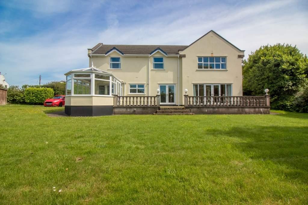 4 Bedrooms Detached House for sale in Leahurst, Main Road, Santon, IM4 1JB