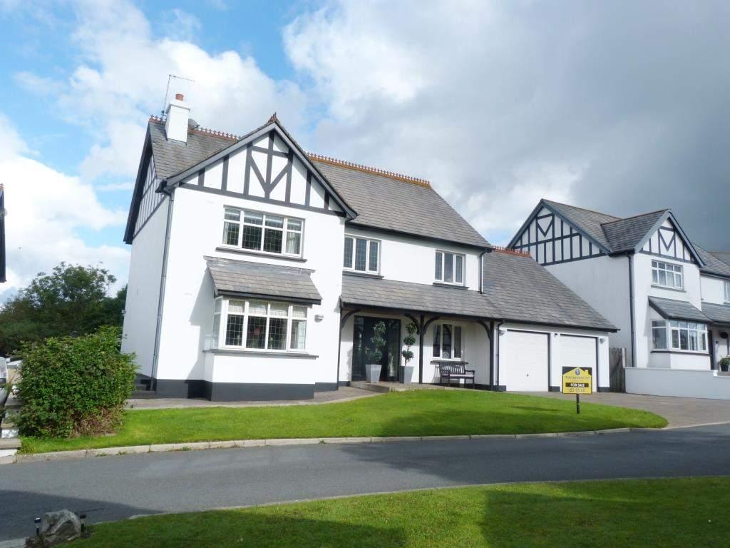 3 Bedrooms Detached House for sale in 124 Fairways Drive, Mount Murray, Braddan, IM4 2JB