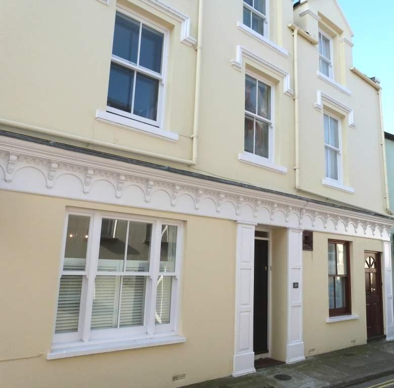 4 Bedrooms House for sale in 29 Malew Street, Castletown, IM9 1AD