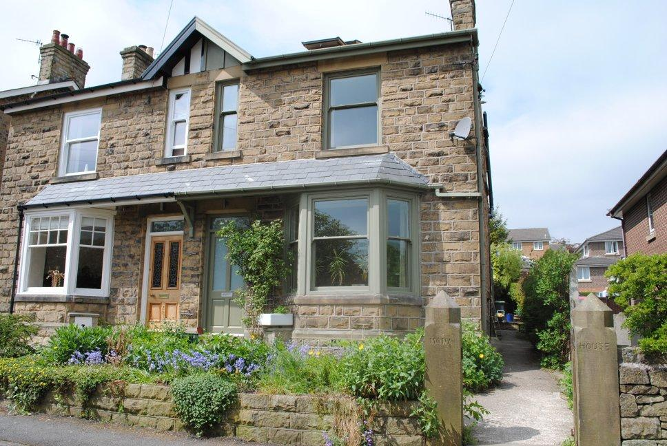 4 Bedrooms Semi Detached House for sale in Hockerley Lane, Whaley Bridge,