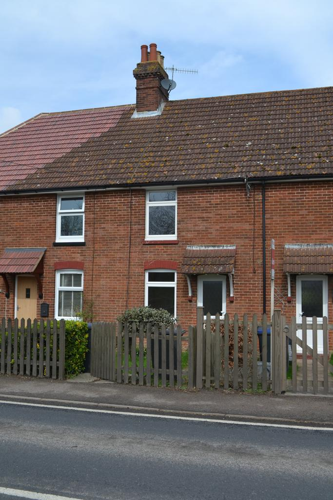 3 Bedrooms Terraced House for sale in Ashford Road, Chartham, Canterbury CT4