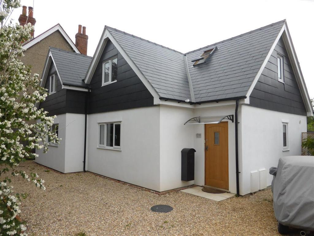 4 Bedrooms Detached House for sale in Horseshoe Road, Pangbourne