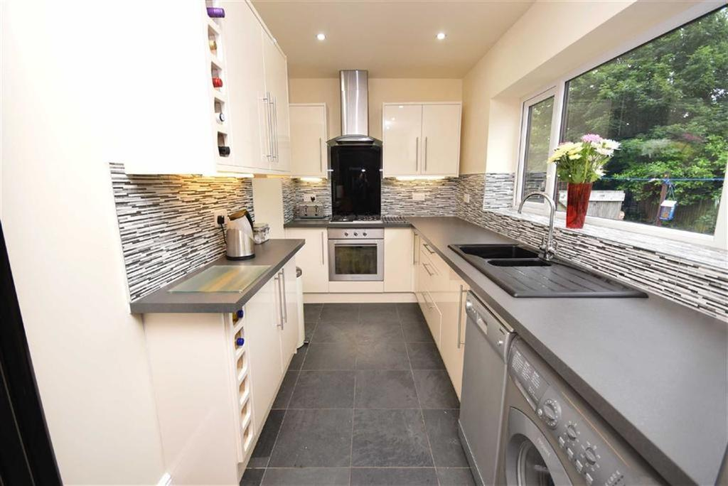 3 Bedrooms Terraced House for sale in Moore Street, Colne, Lancashire