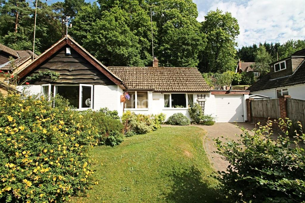 3 Bedrooms Bungalow for sale in Beech Hill, Headley Down, Hampshire