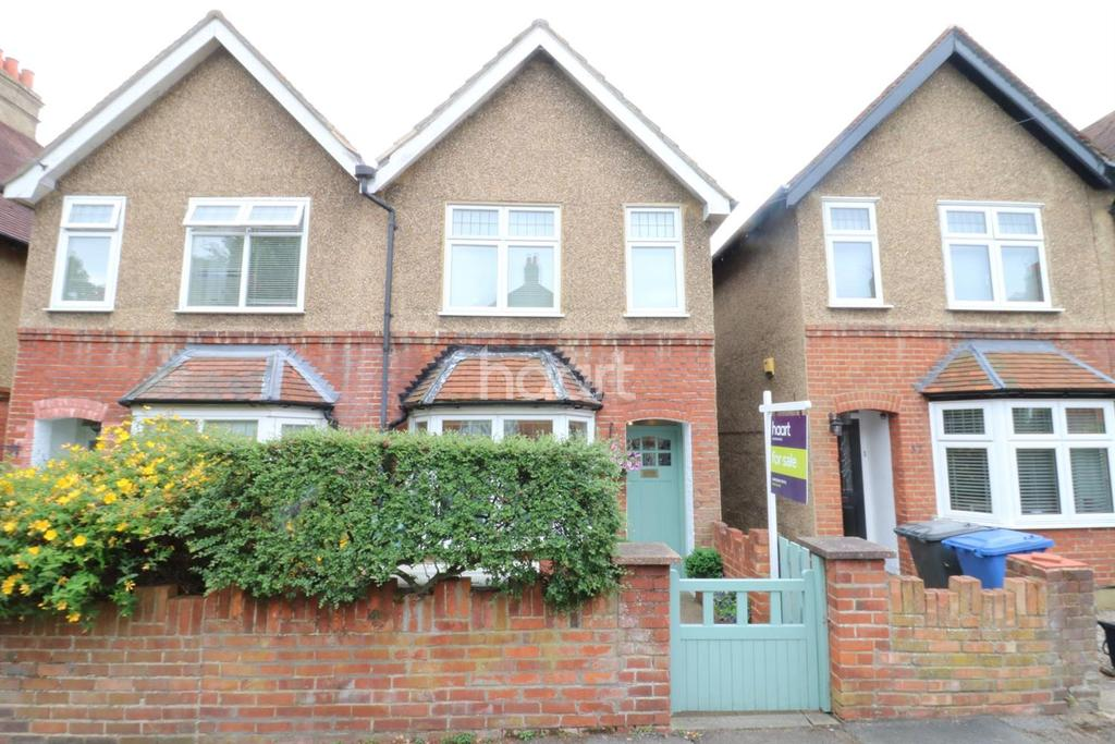2 Bedrooms Semi Detached House for sale in Clare Road