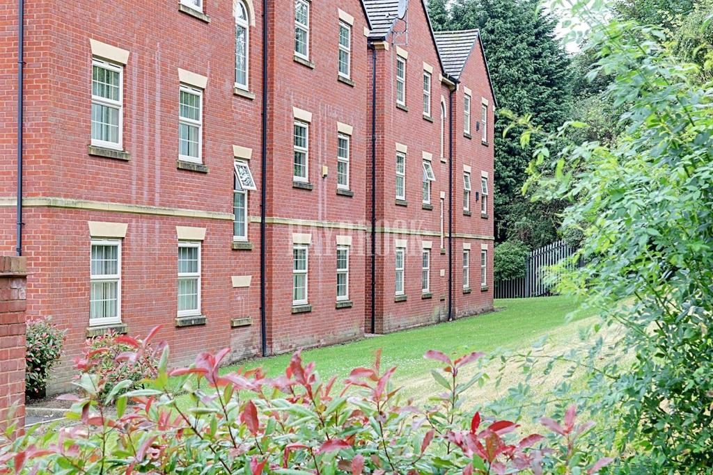 2 Bedrooms Flat for sale in Langmere Close, Barnsley