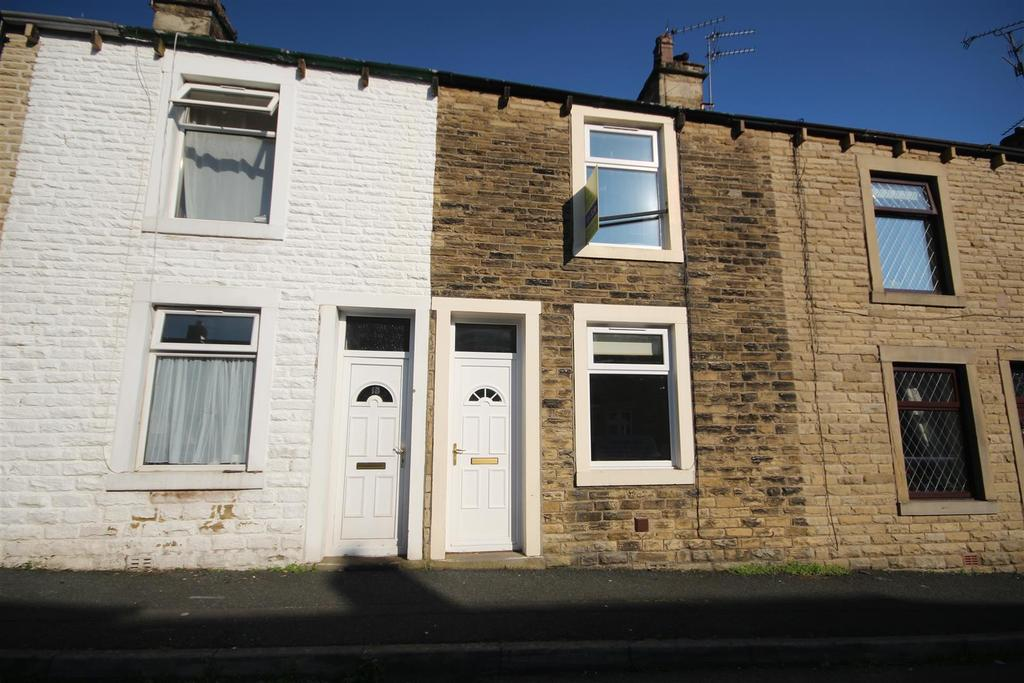 2 Bedrooms House for sale in 16 Shuttleworth Street, Earby