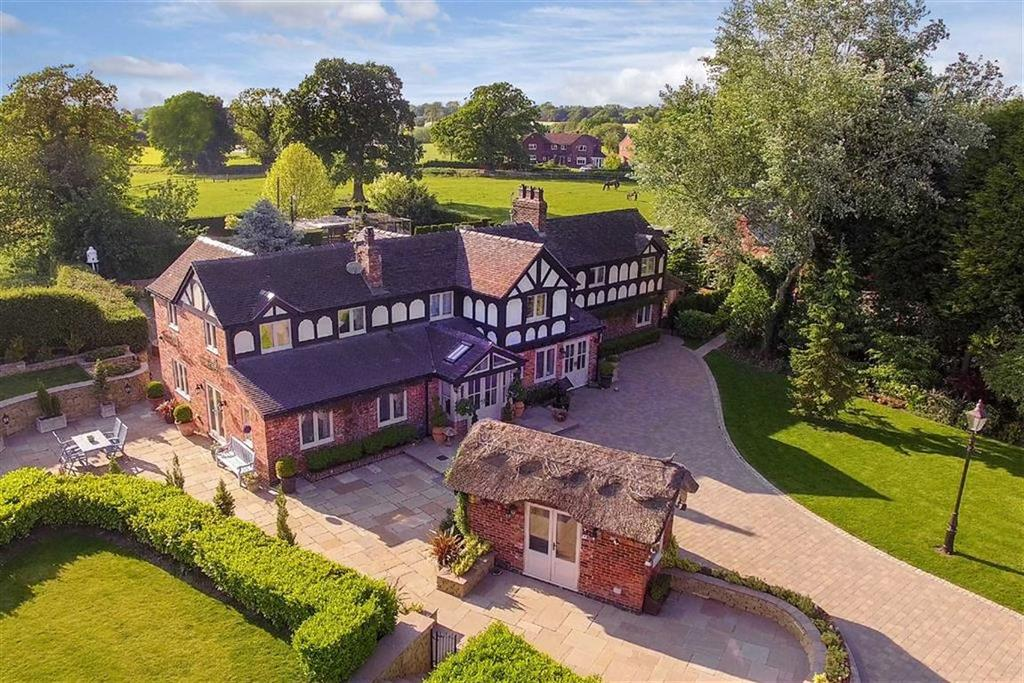 7 Bedrooms House for sale in Somerford Booths, Congleton