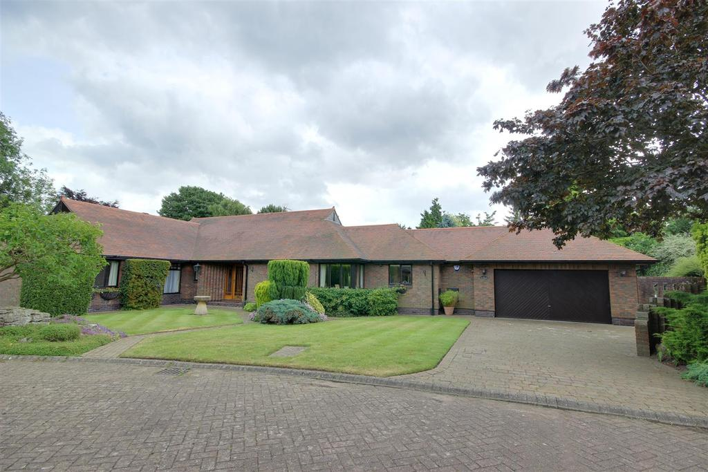 3 Bedrooms Detached Bungalow for sale in The Meadows, West Ella, Hull