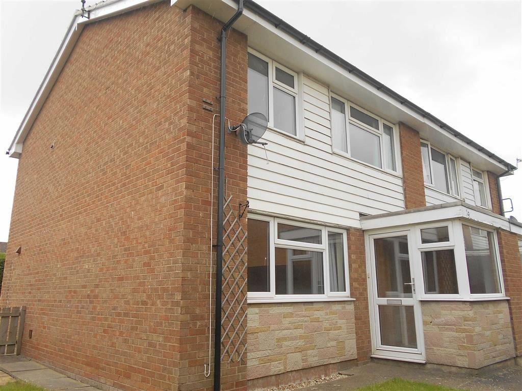 3 Bedrooms Semi Detached House for sale in Bullamoor Close, Northallerton