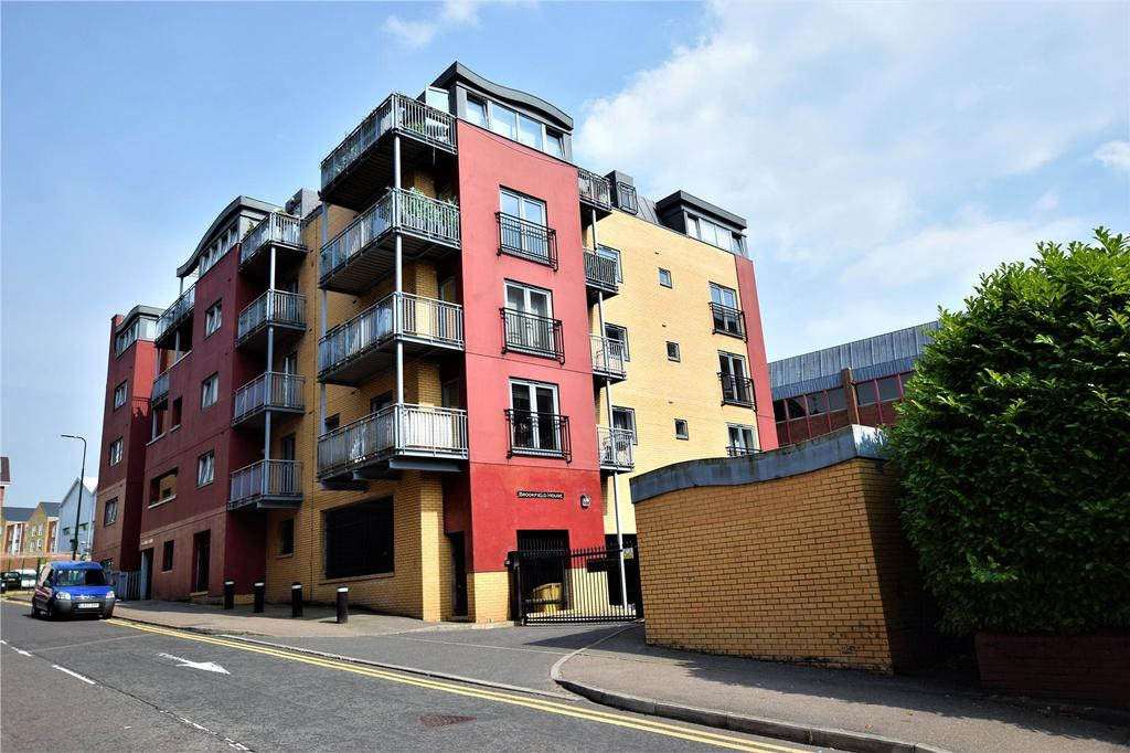 2 Bedrooms Apartment Flat for sale in Brookfield House, Selden Hill, Hemel Hempstead, Hertfordshire, HP2