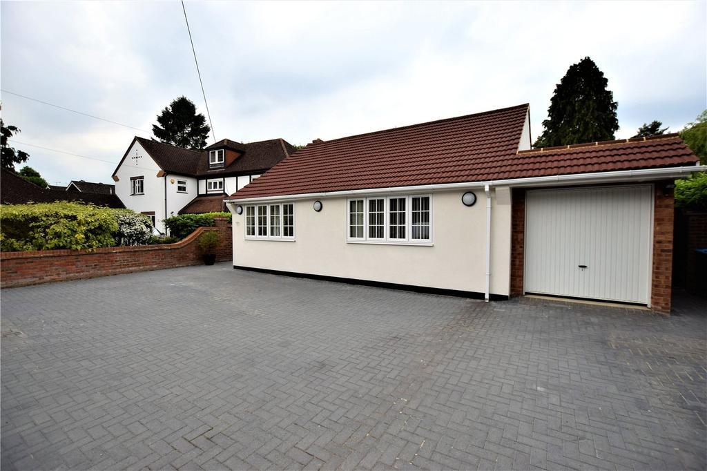 4 Bedrooms Detached Bungalow for sale in Pancake Lane, Hemel Hempstead, Hertfordshire, HP2