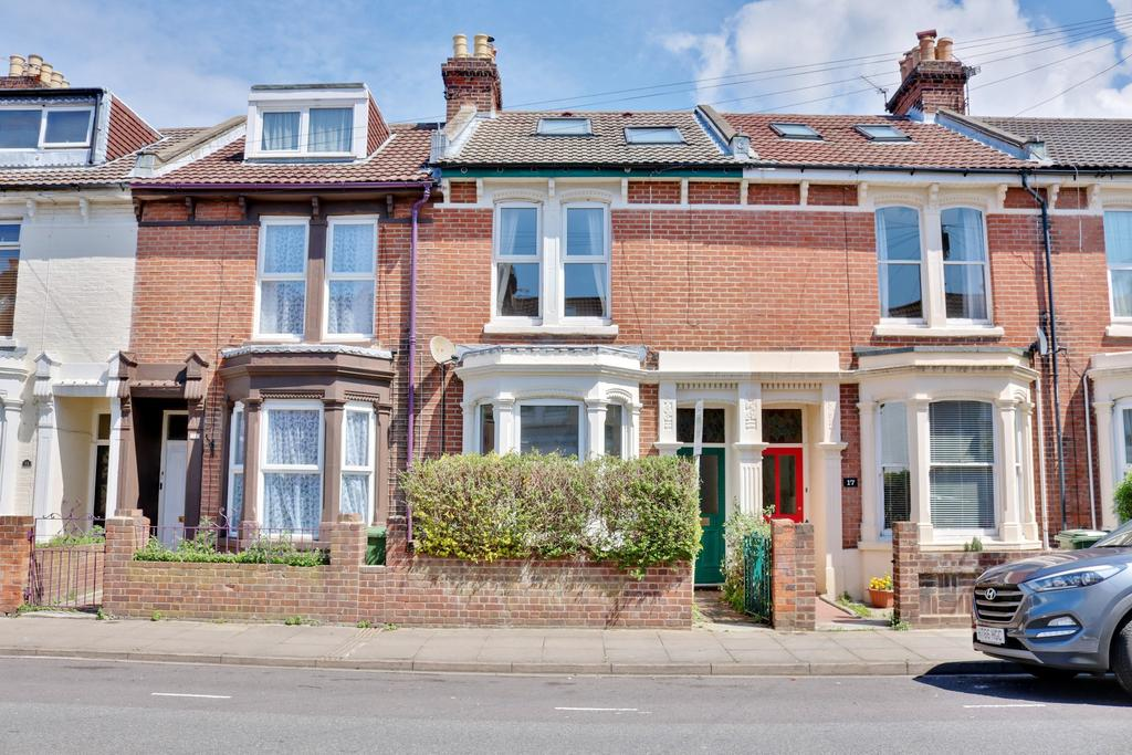 4 Bedrooms Terraced House for sale in Chetwynd Road, Southsea