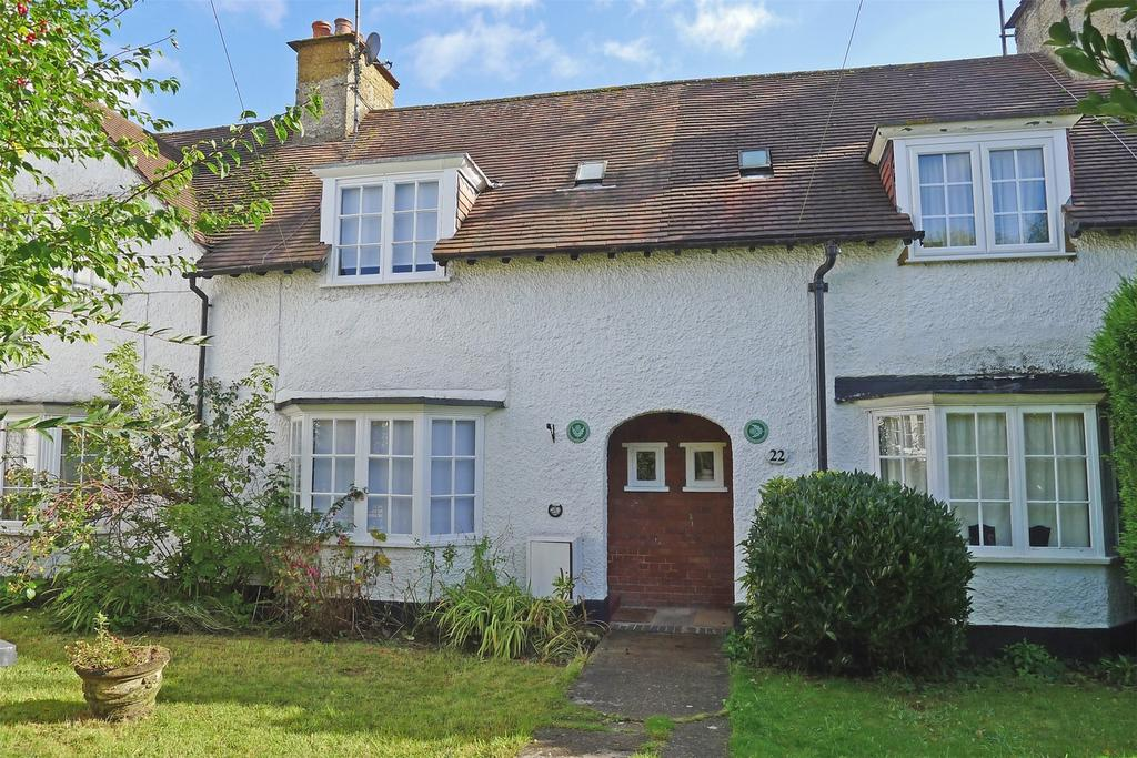 2 Bedrooms Cottage House for sale in Lytton Avenue, Letchworth Garden City, Hertfordshire