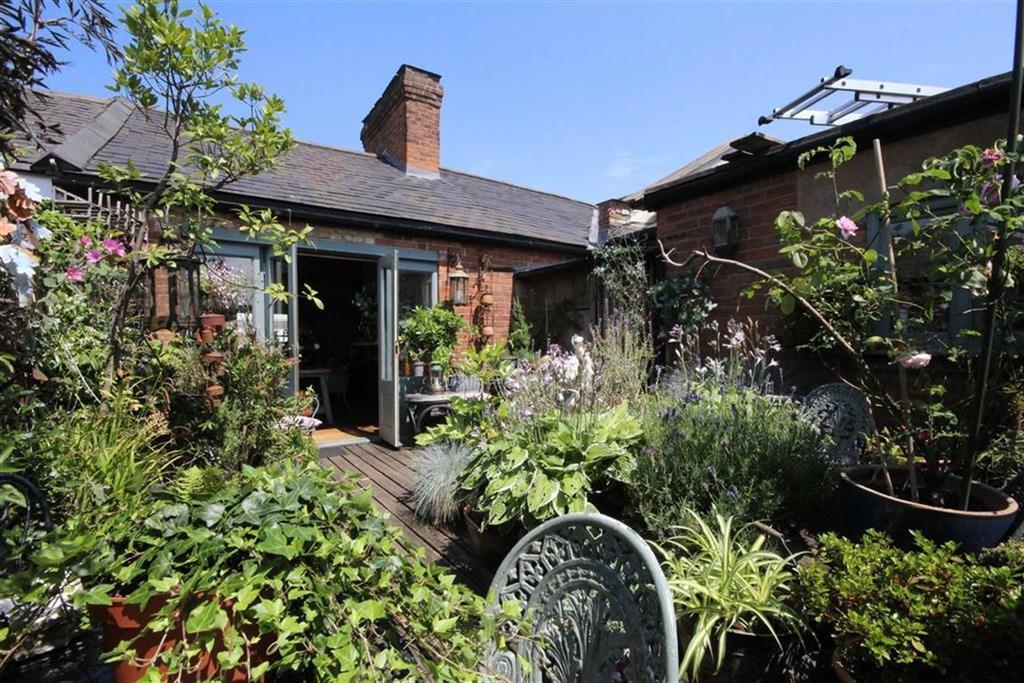 3 Bedrooms Penthouse Flat for sale in 50a Warwick Street, Leamington Spa, Warwickshire, CV32