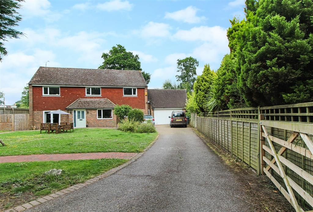 5 Bedrooms Detached House for sale in Rocky Lane, Haywards Heath