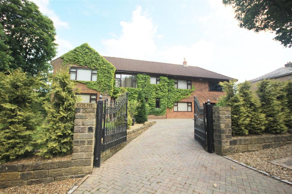 4 Bedrooms Detached House for sale in Colne Gate, 172 Barrowford Road, Colne