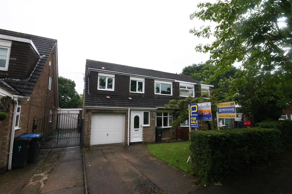 4 Bedrooms Semi Detached House for sale in Calluna Grove, Marton-In-Cleveland, Middlesbrough
