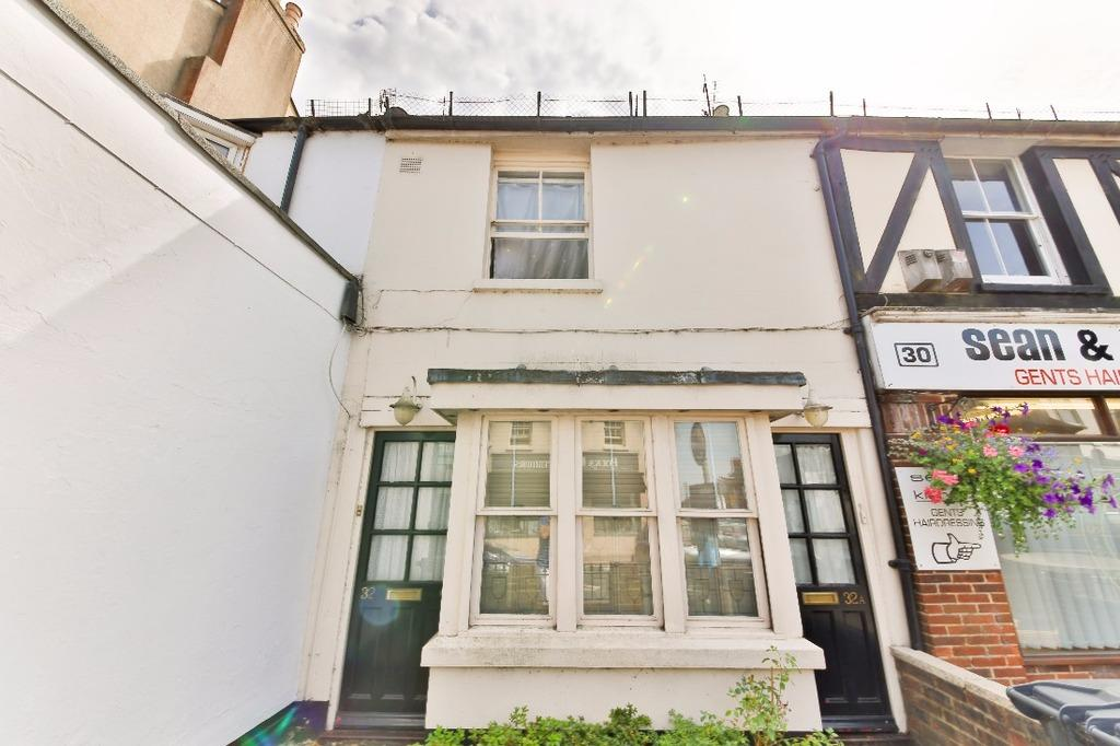 1 Bedroom Flat for sale in High Street Hurstpierpoint West Sussex BN6