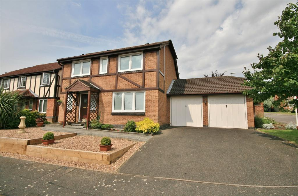 4 Bedrooms Detached House for sale in Orangewood Close, Gonerby Hill Foot, NG31