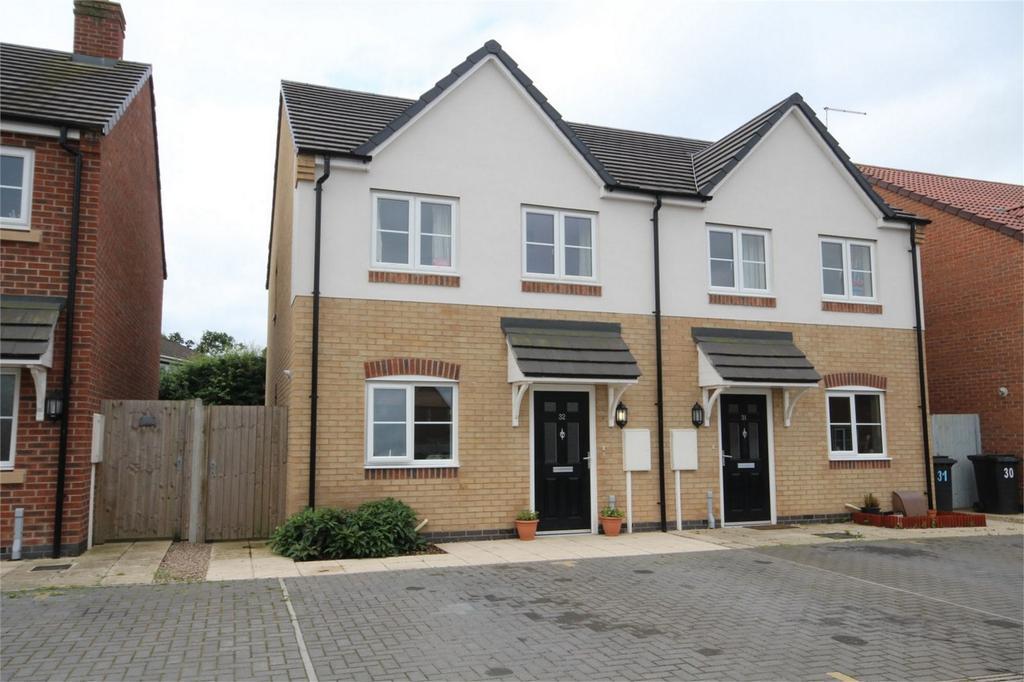 3 Bedrooms Semi Detached House for sale in Earnlege Way, Arley, Coventry, Warwickshire