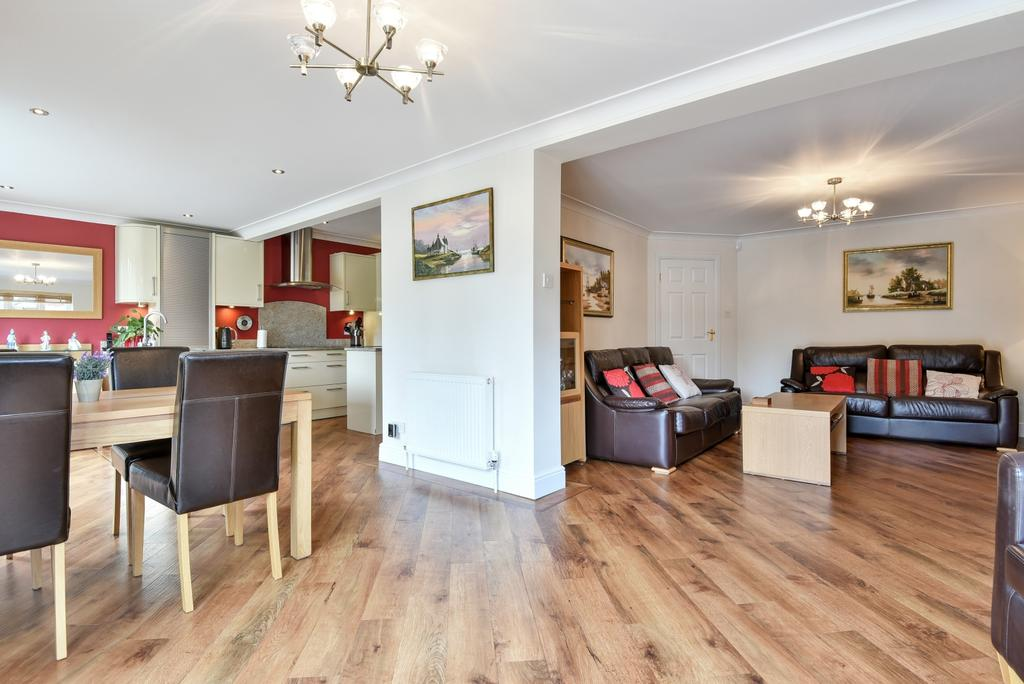 2 Bedrooms Bungalow for sale in Foxfield Road Orpington BR6