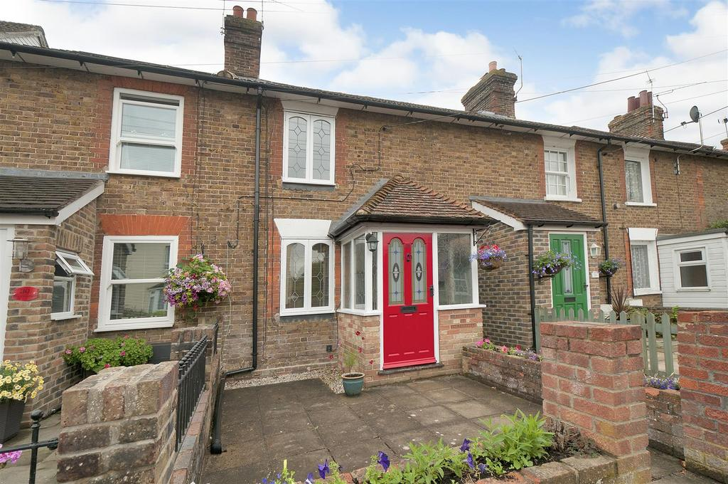 2 Bedrooms Terraced House for sale in The Freehold, East Peckham, Tonbridge