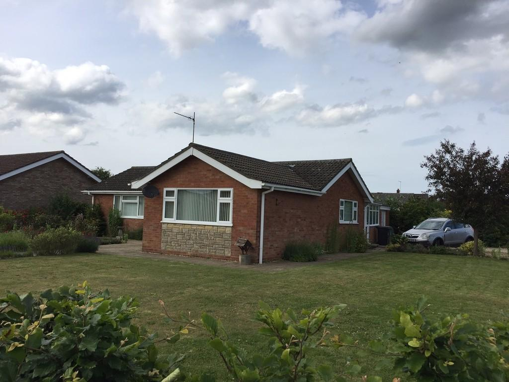 3 Bedrooms Detached Bungalow for sale in Thirlby Road, North Walsham, Norfolk