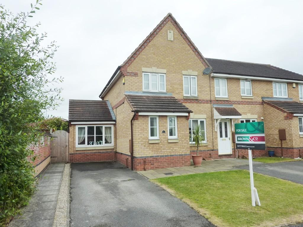 3 Bedrooms Semi Detached House for sale in St Andrew's Way, Retford