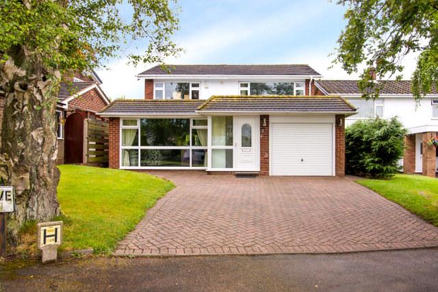 4 Bedrooms Detached House for sale in Leandor Drive,Streetly,Sutton Coldfield