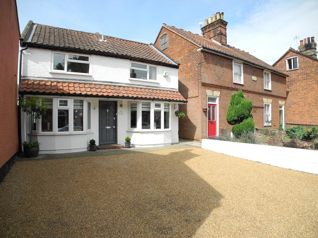 3 Bedrooms Detached House for sale in Laurel Cottage, Lower Olland Street, Bungay