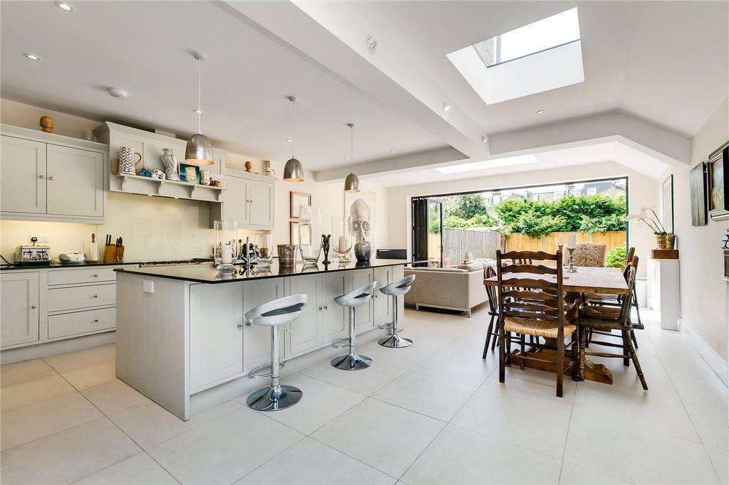 5 Bedrooms End Of Terrace House for sale in Greswell Street, Bishops Park, London