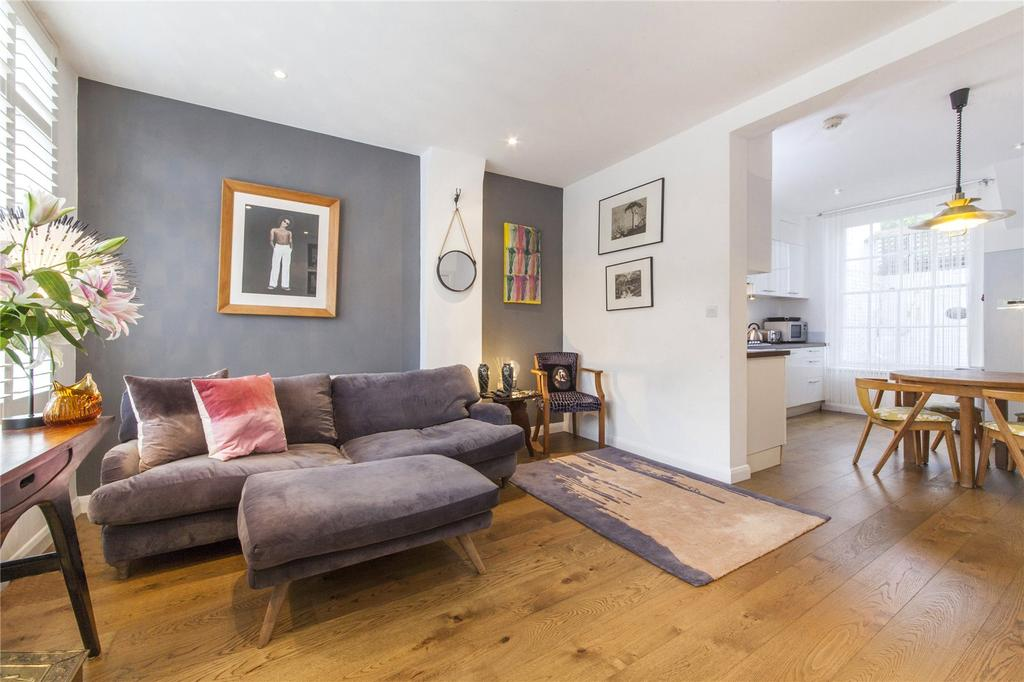 2 Bedrooms Flat for sale in Harmood Street, Camden Town, London