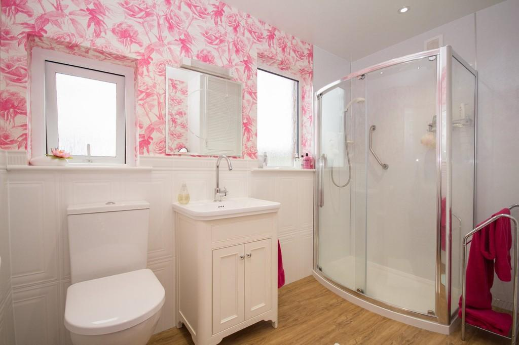 3 Bedrooms Semi Detached House for sale in Hollow Lane, Barrow-In-Furness