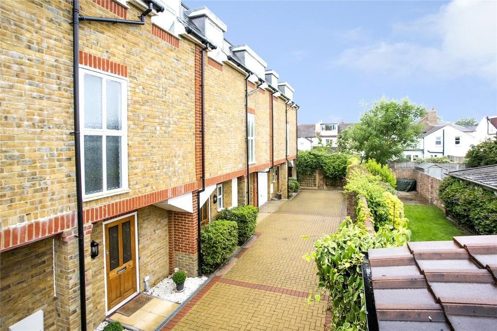 2 Bedrooms Terraced House for sale in Charles Court, Charles Street, Tunbridge Wells, Kent