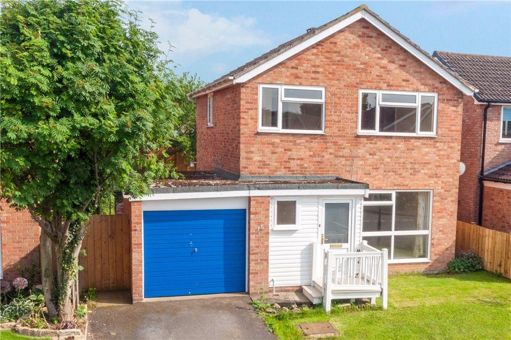 3 Bedrooms Detached House for sale in Cypress Gardens, Ripon, North Yorkshire