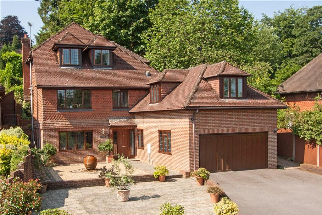 5 Bedrooms Detached House for sale in Museum Hill, Haslemere, Surrey, GU27