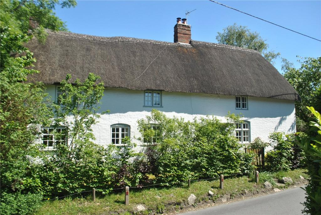 4 Bedrooms Detached House for sale in High Street, Great Cheverell, Devizes, Wiltshire, SN10