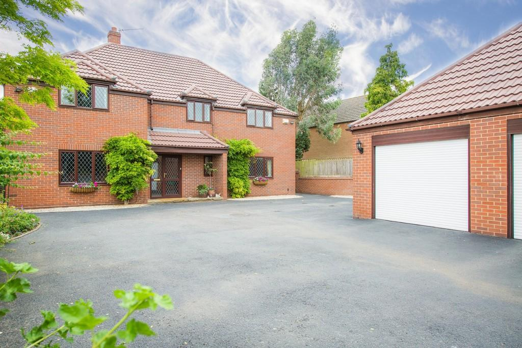 7 Bedrooms Detached House for sale in Green Lane, Thetford