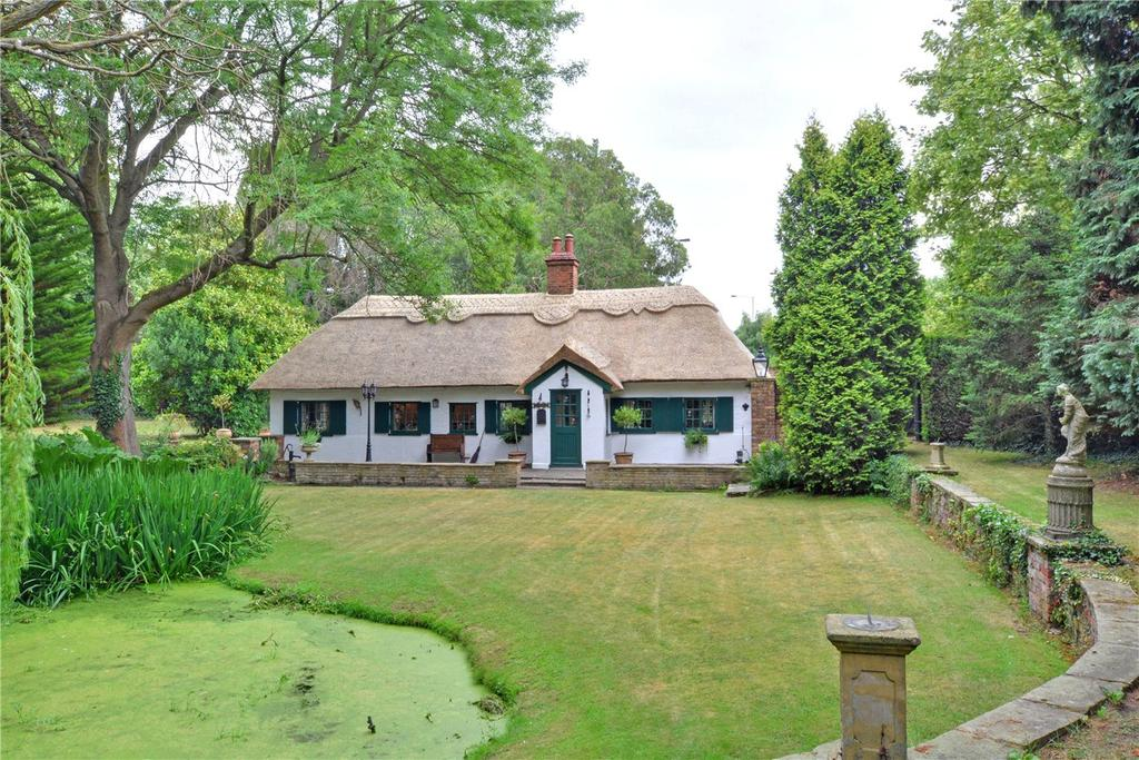 3 Bedrooms Detached House for sale in Perry Street, Chislehurst, BR7