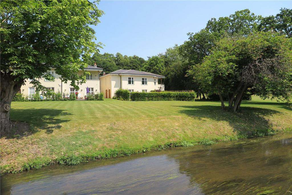 2 Bedrooms Flat for sale in The Walled Garden, Moor Park, Farnham, Surrey, GU10