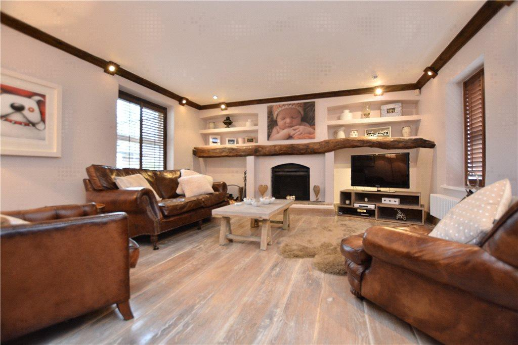 3 Bedrooms Link Detached House for sale in North Lane, Roundhay, Leeds