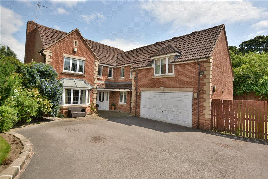 5 Bedrooms Detached House for sale in Stoneleigh Garth, Leeds