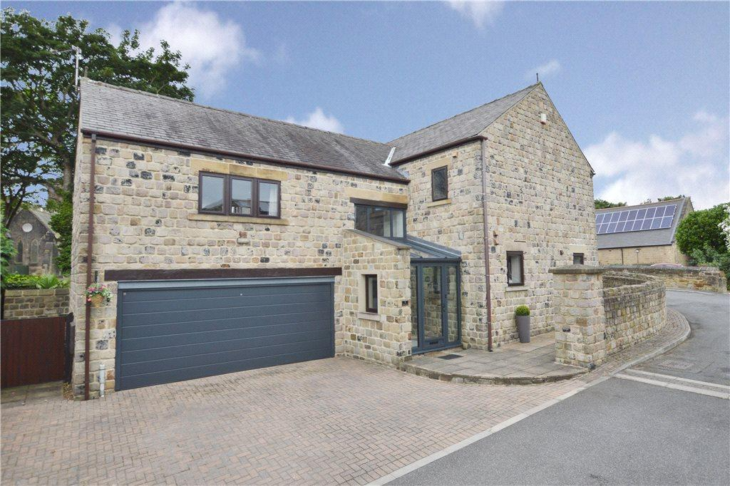 4 Bedrooms Detached House for sale in The Coach House, Harvest Mews, Ossett, West Yorkshire