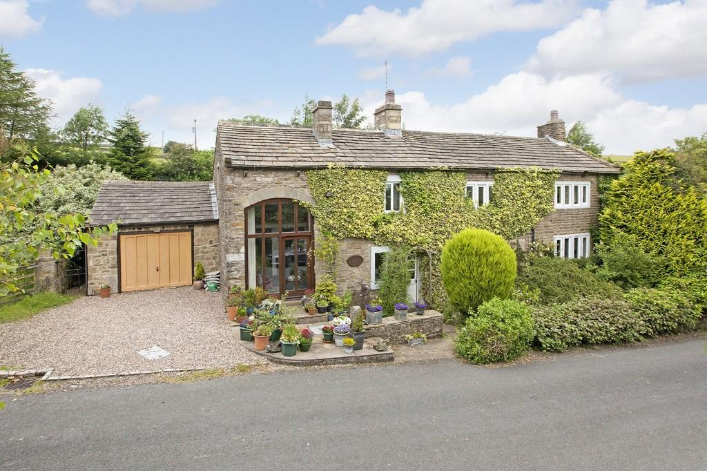 4 Bedrooms Detached House for sale in Brigstone House, Lothersdale